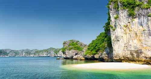 go to Ha long bay best things to do in vietnam