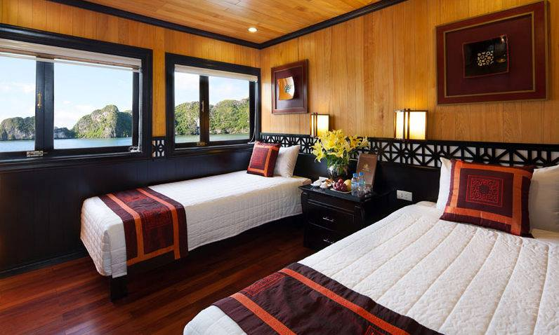 Deluxe Room On The Cruise  with Ha Long Bay View