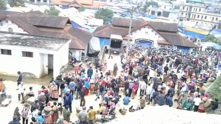 bac ha market on sunday